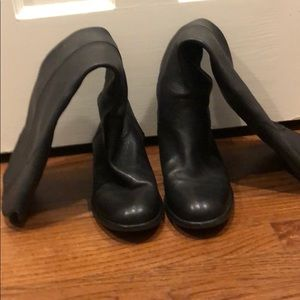 Size 40 Chanel black boot